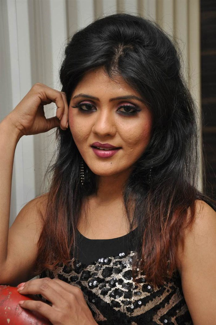 Telugu Heroine <b>Kavya Reddy</b> Hot Photos in Black Dress [ Gallery View ] - telugu_actress_kavya_reddy_hot_photos_black_dress_8f1c880