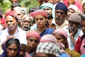 Bindu Madhavi in Kazhugu 2 Movie HD Stills