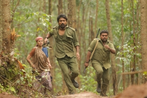 Bindu Madhavi, Krishna Sekhar, Kaali Venkat in Kazhugu 2 Movie HD Stills