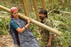 Bindu Madhavi, Krishna Sekhar in Kazhugu 2 Movie HD Stills