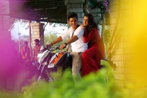 Jiiva, Nikki Galrani in KEE Movie Images HD