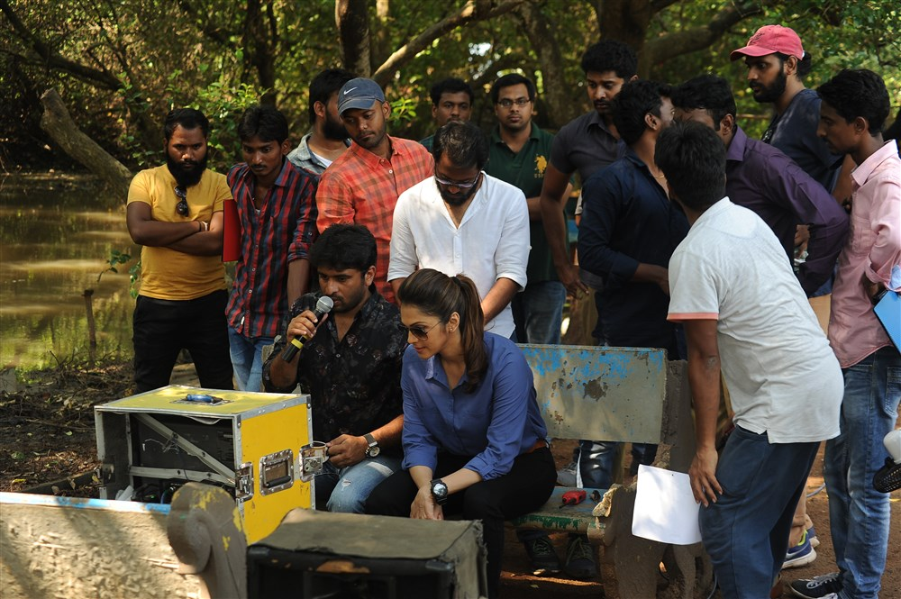 Isha Koppikar, Sudheer Varma @ Keshava Movie Working Stills