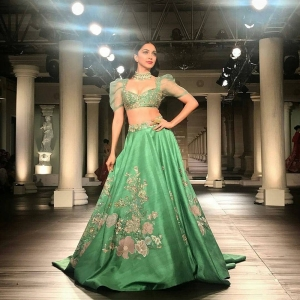 Actress Kiara Advani Hot Photos @ India Couture Week 2018