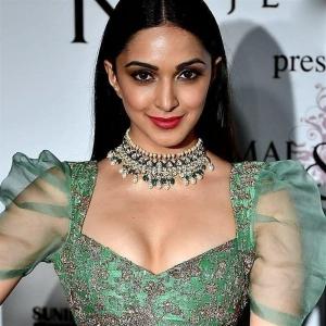 Actress Kiara Advani Green Lehenga Hot Photos @ ICW 2018