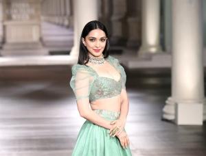 Actress Kiara Advani Hot Photos in Green Lehenga