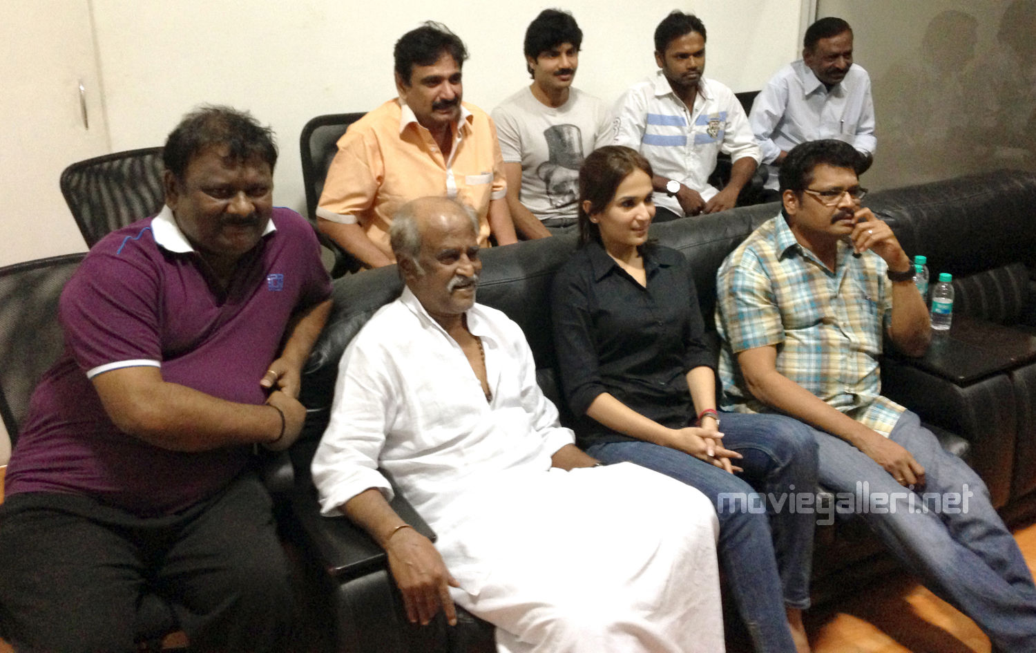Madhesh, Rajini, Soundarya, KS Ravikumar at Kochadaiyaan Movie Shooting Spot in London Photos