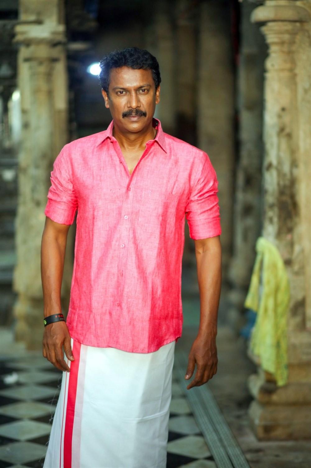 Samuthirakani @ Kombu Vatcha Singamda Movie Pooja Stills