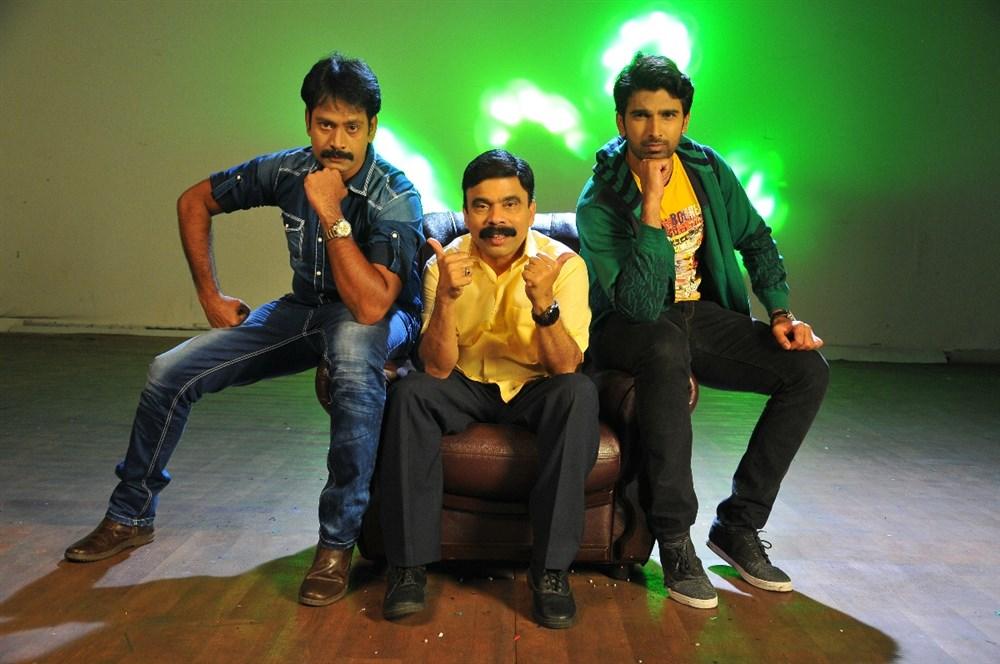 Powerstar Srinivasan in Konala Irundalum Ennodadhu Movie Stills