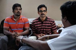 Bala Saravanan, Ashok Selvan in Kootathil Oruthan Movie Stills