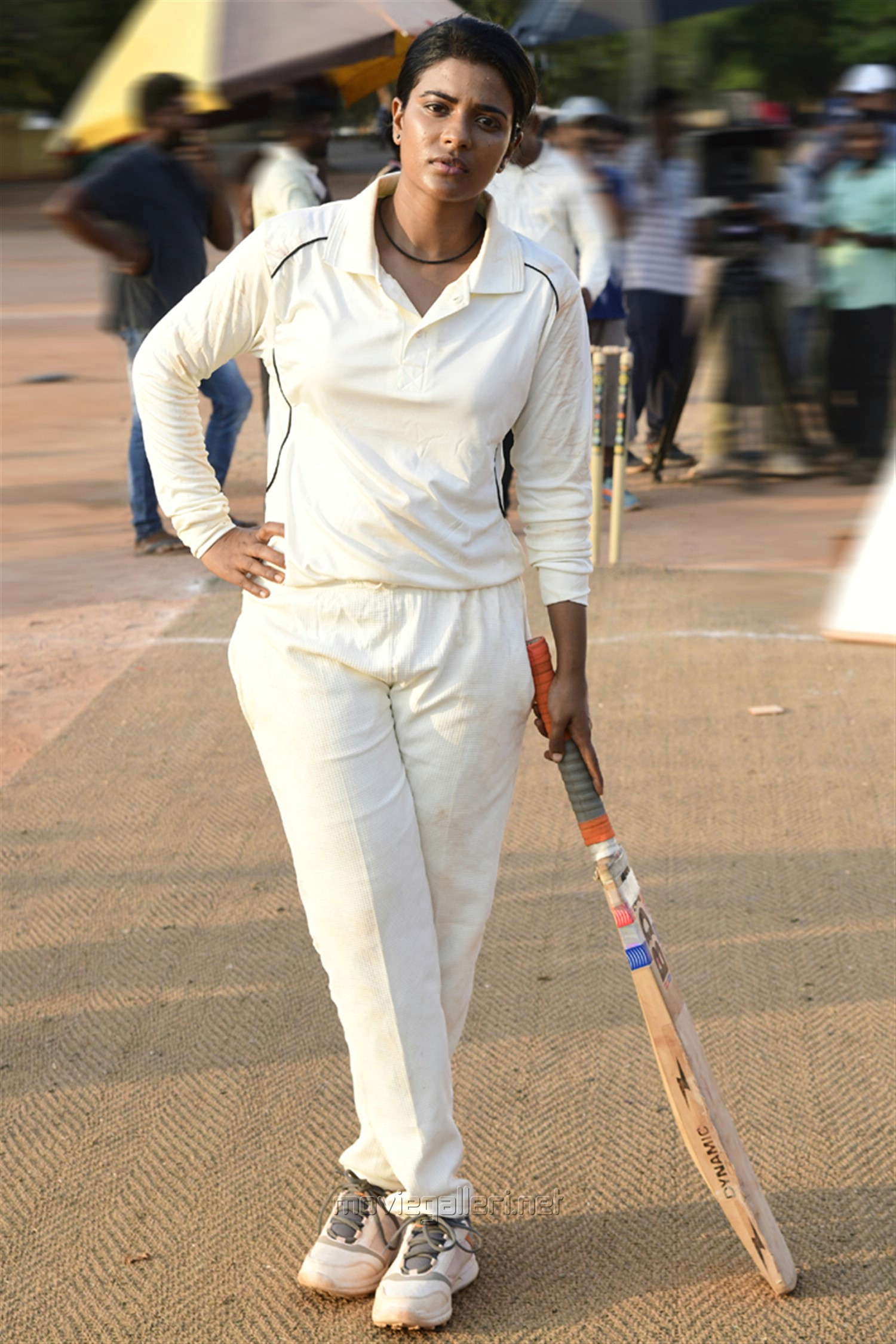 Actress Aishwarya Rajesh Kousalya Krishnamurthy Cricketer Movie Stills HD