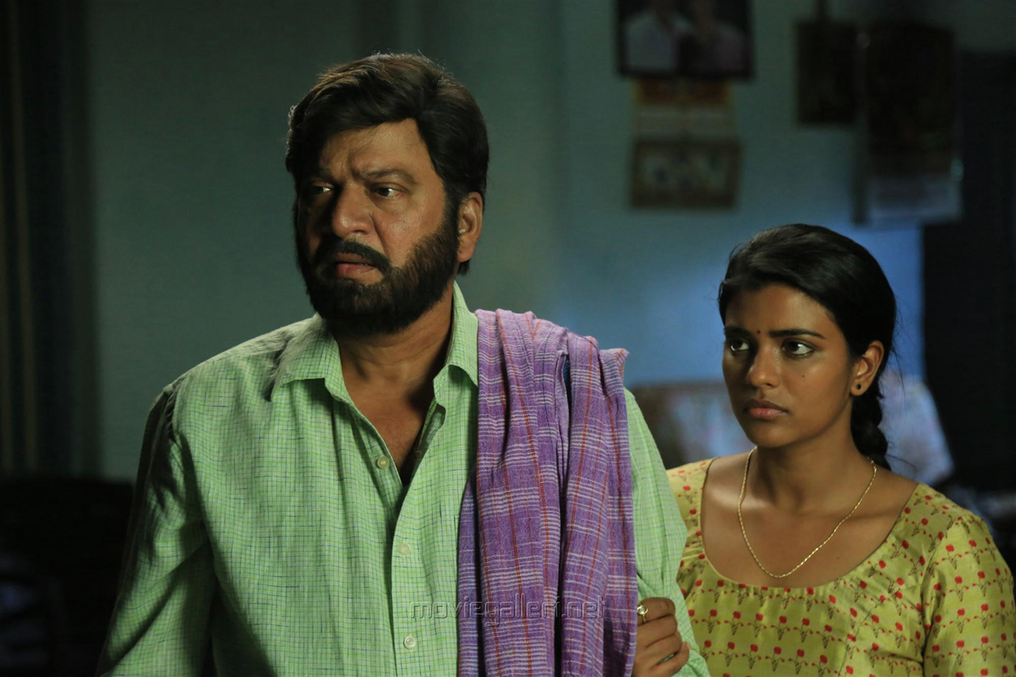 Rajendra Prasad, Aishwarya Rajesh in Kousalya Krishnamurthy Cricketer Movie Stills HD