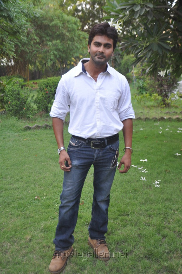Actor Ashok at Kozhi Koovuthu Movie Audio Launch Stills