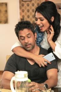 Arjun, Shruti Hariharan in Kurukshetram Movie Stills HD