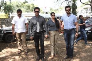 David Solomon Raja, Arjun, Varalaxmi, Prasanna in Kurukshetram Movie Stills HD