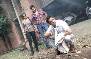 Varalaxmi, Prasanna, Arjun in Kurukshetram Movie Stills HD