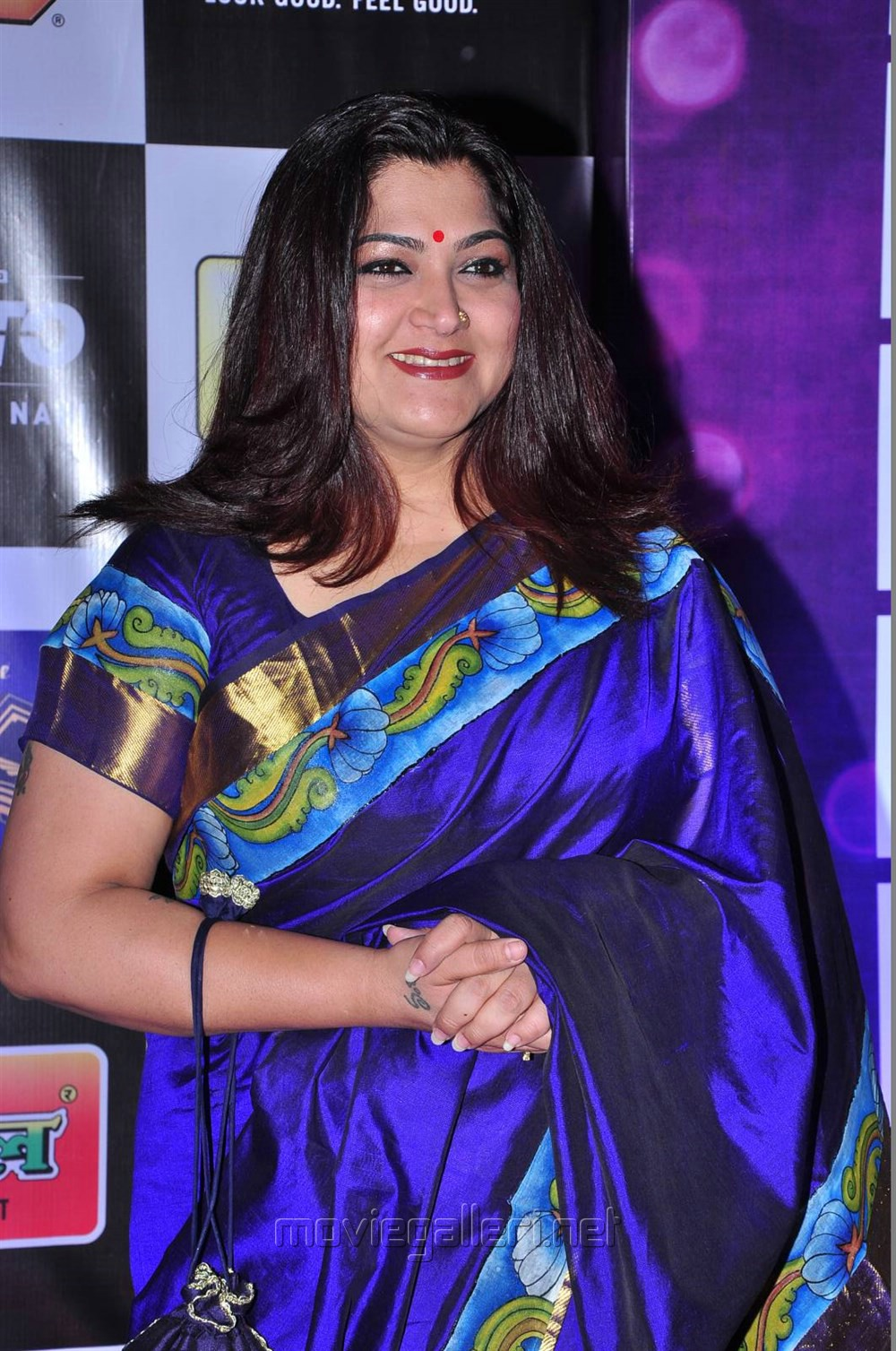 Kushboo Tamil Hot Ele picture 911169   tamil actress kushboo in dark blue silk saree