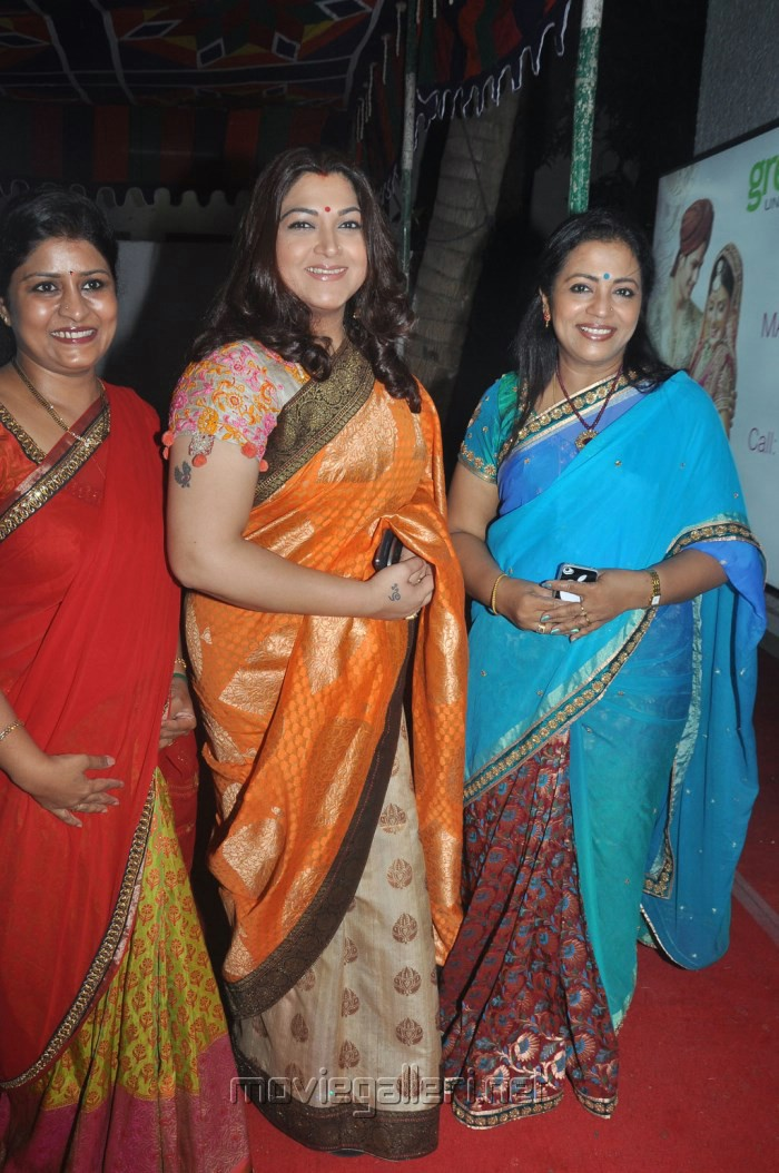 Related Pictures bhagyaraj kushboo in silk saree kushboo latest pics ...
