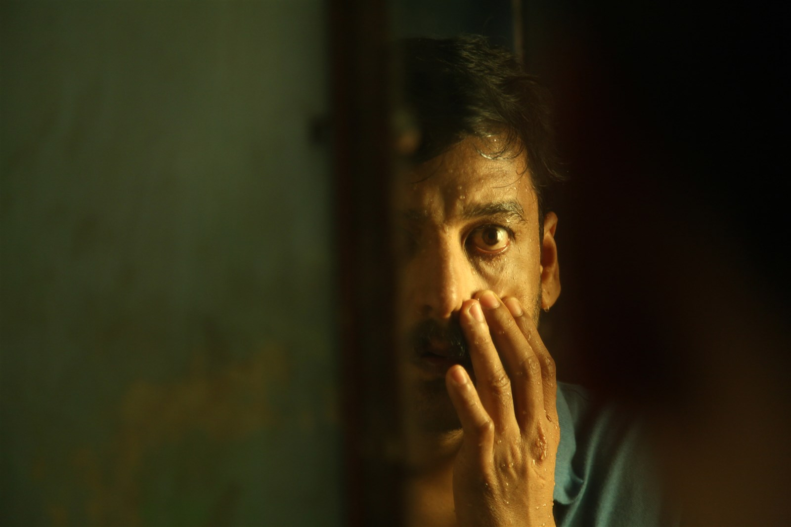 Actor Vidharth @ Kutrame Thandanai Movie Stills