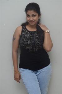 Geethanjali Thasya @ Ladies Not Allowed Movie Trailer Launch Stills
