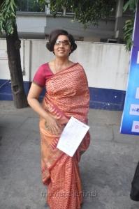 Lakshmi Ramakrishnan Saree Photos