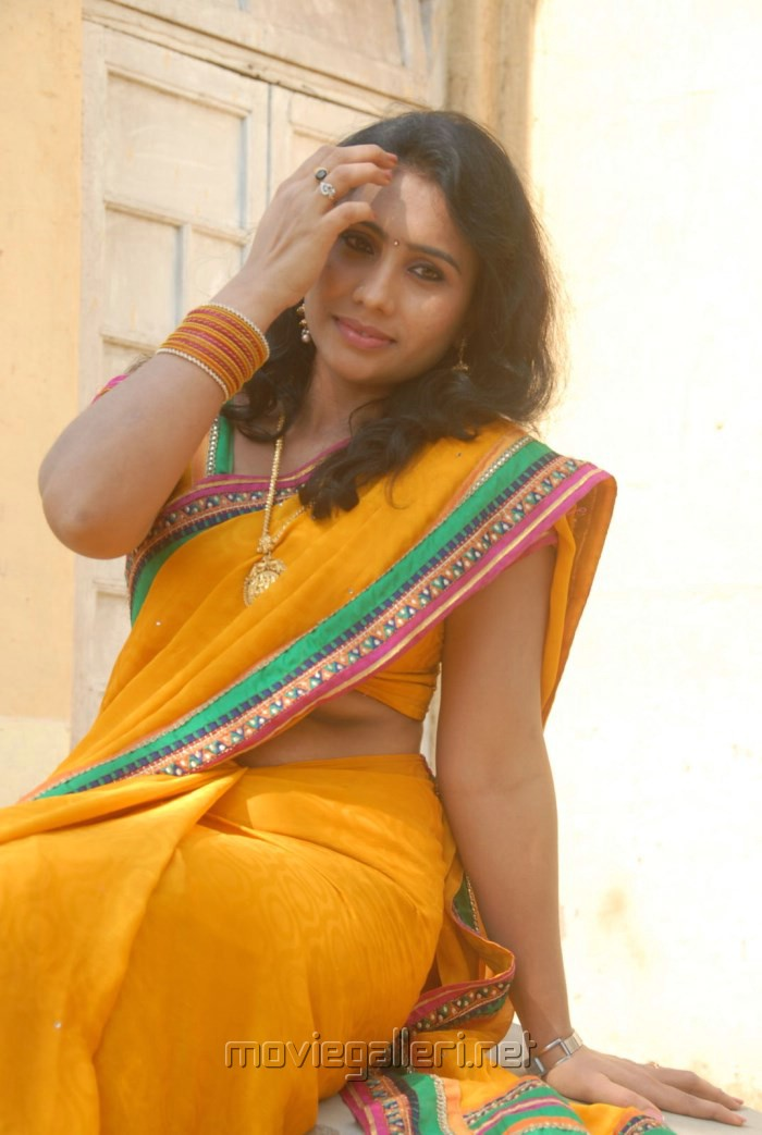 tamil actress mulai photo gallery online torrent movie