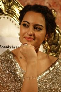 Actress Sonakshi Sinha @ Lingaa Movie Audio Launch Stills