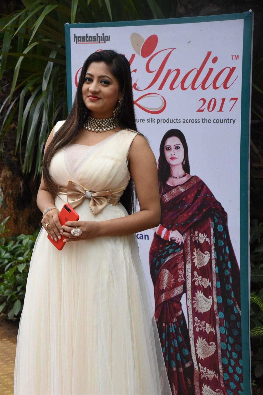 Actress Lipsa Mishra Inaugurates Silk India Expo at Bhubaneswar Photos