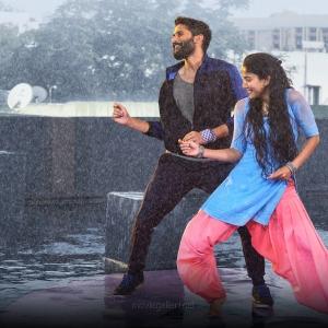 Naga Chaitanya, Sai Pallavi in Love Story Movie HD Images