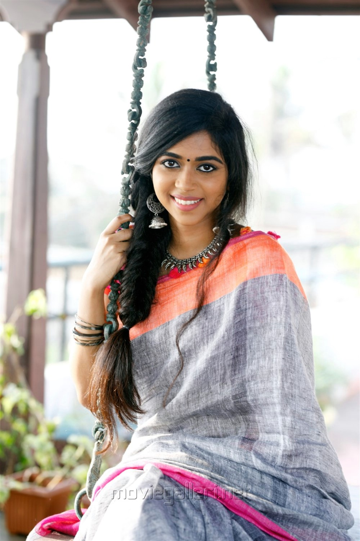 Actress Lovelyn Chandrasekhar Saree Photoshoot Images