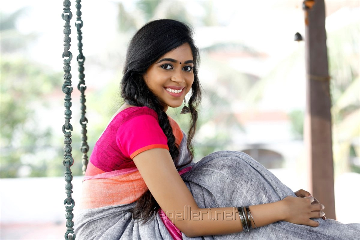 Actress Lovelyn Chandrasekhar Saree Photoshoot Images