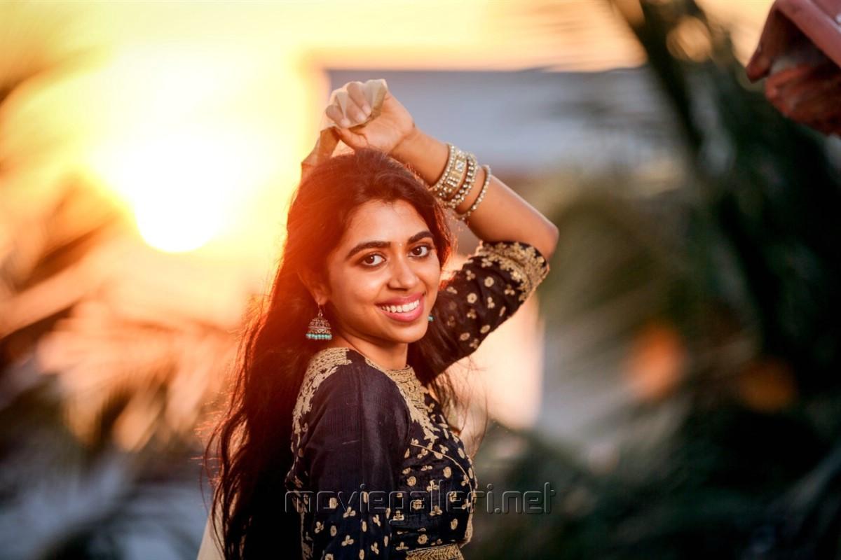 Actress Lovelyn Chandrasekhar New Photo Shoot Images