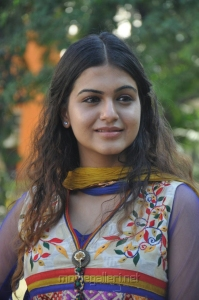 Actress Samar at Maalai Pozhuthin Mayakathile Audio Launch