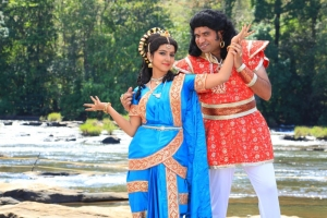Premji Amaran, Leema in Maanga Movie Stills