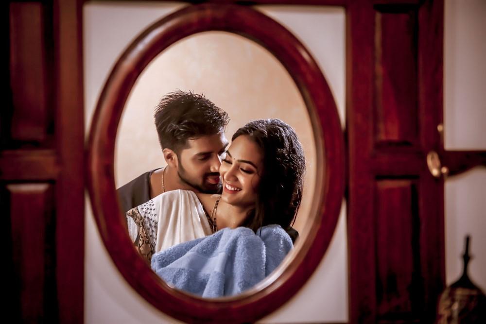 Madhav Chilukuri, Spandana Palli in MAD Movie First Look Images