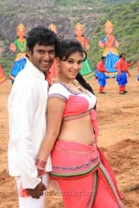 Vishal, Anjali in Madha Gaja Raja Telugu Movie Stills