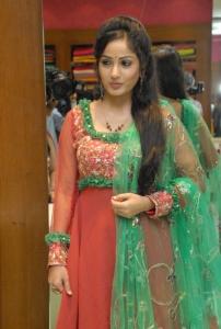 Madhavi Latha launches Sreeja Fashions South Silk Festival 2013