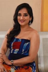 Actress Madhu Krishnan Photos @ IIT Krishnamoorthi Movie Press Meet