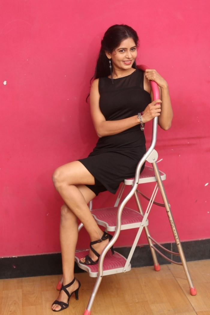 actress_madhumitha_photos_lajja_movie_interview_176e972
