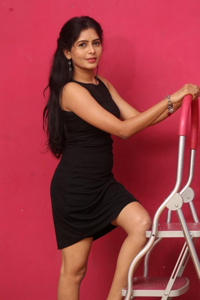 actress_madhumitha_photos_lajja_movie_interview_2e8fee0