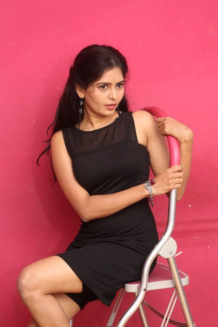 actress_madhumitha_photos_lajja_movie_interview_6d757d6