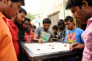Karthi's Madras Movie First Look Images