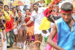 Meenakshi, Shanmuga Pandian in Madura Veeran Movie Stills HD