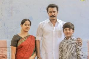 Senthikumari, Samuthirakani in Madhura Veeran Movie Stills HD