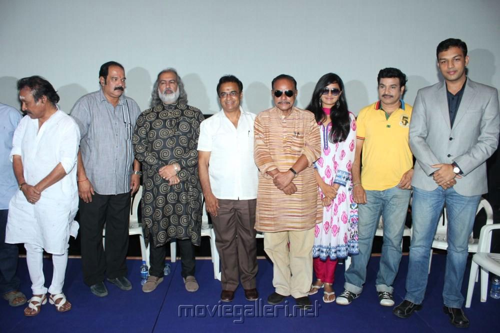 Suresh Krishna, Sunil Mehta, Poovilangu Mohan, Prapanchan, Pooja Lokesh, Ilavarasan, Amit Bhargav