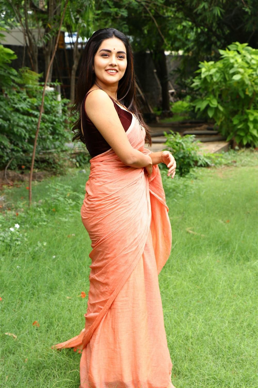 Actress Mahima Nambiar Saree Pics @ Magamuni Movie Press Meet