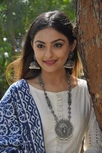 Actress Mura Doshi Photos at IIT Krishnamurthy Press Meet