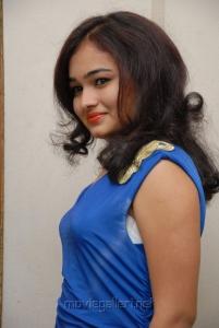 Telugu Actress Mythili Hot Photoshoot Pics