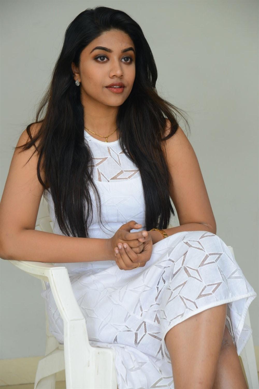 Choosi Choodangane Actress Malavika Satheesan Photos
