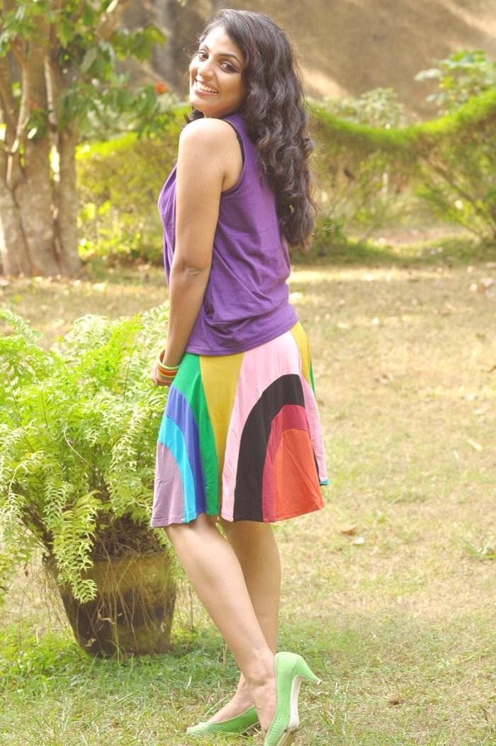 Malayalam Actress Mythili Hot Photos