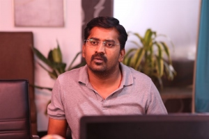Actor Karunakaran in Malaysia to Amnesia Movie Images